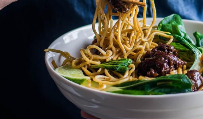 Hoisin Spaghetti &Meatballs